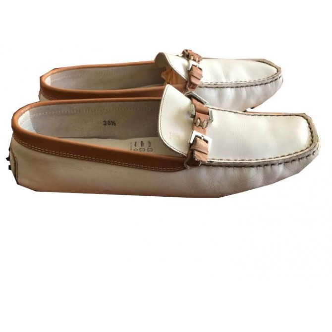 Tod's flat moccasins in white leather with brown details