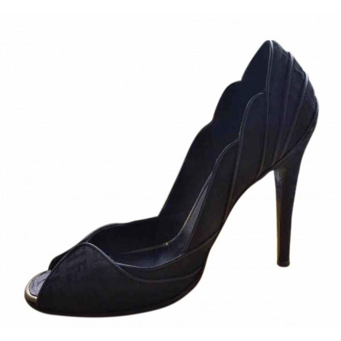 Fendi logo printed fabric and leather heels