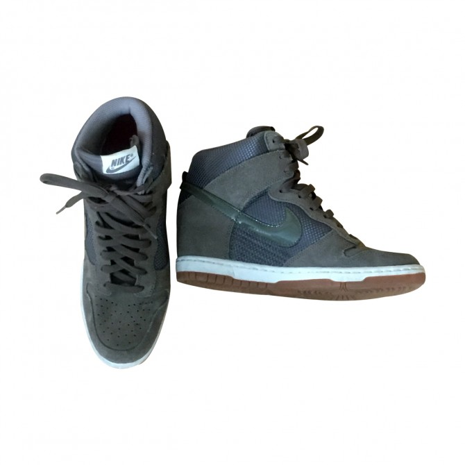 Nike heeled trainers