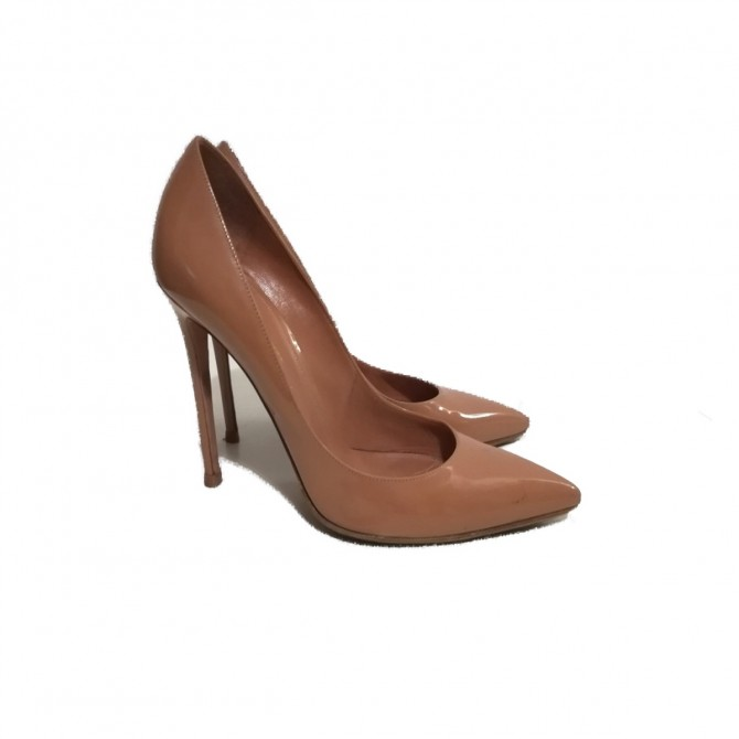 Gianvito Rossi patent leather pumps size IT 39