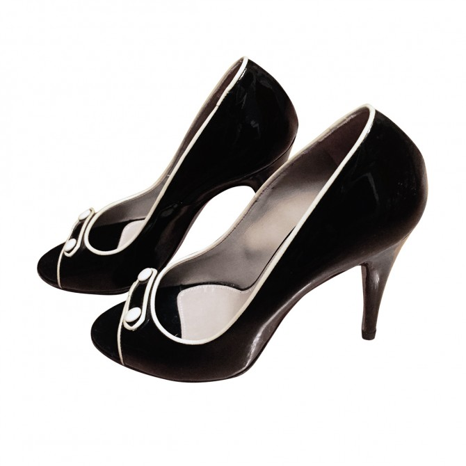 Trussardi black patent leather peep toes