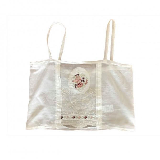 Madame shoushou embroidered top
