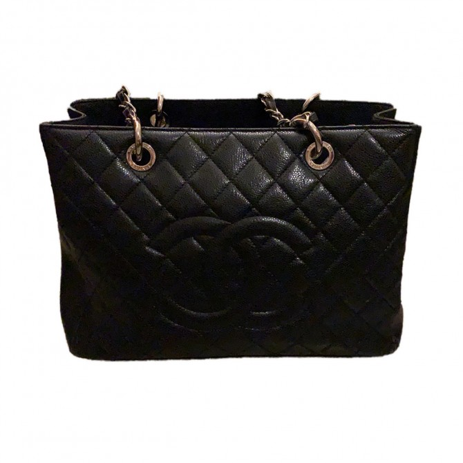 CHANEL large shopping bag in caviar quilted leather