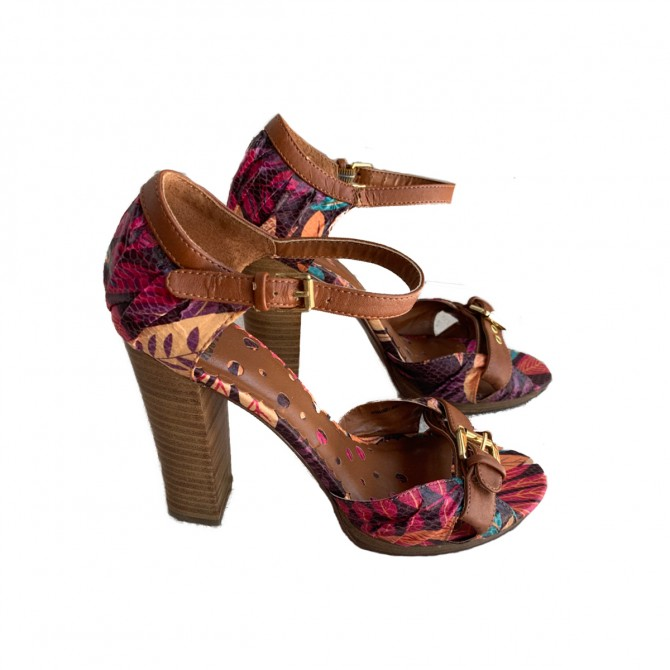 Not Rated CRUSH ON YOU Heels size IT38