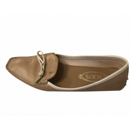 Tod's flats in camel leather with white leather trimming size 40