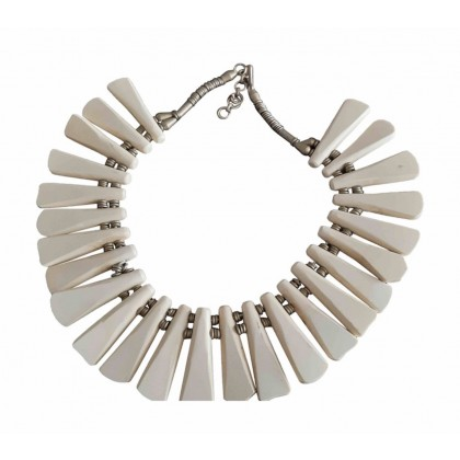 Horn necklace new condition