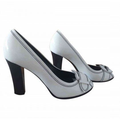 Fendi white leather peep toes size IT 38