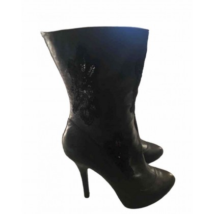 Dolce & Gabbana black leather ankle boots with black embroidery cut out parts size IT 41