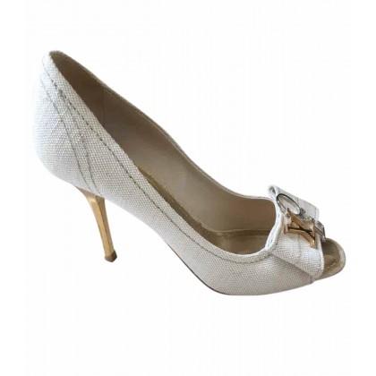 Louis Vuitton beige canvas peep toes heels size 36