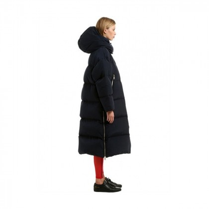 GIGI HADID X TOMMY HIFLIGER collection long puffer coat
