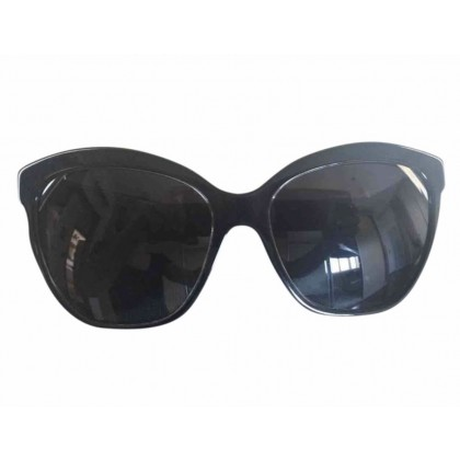 Dolce Gabbana black frame sunglasse swith leopard print handles