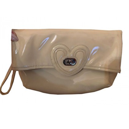 LOVE MOSCHINO IN BEIGE PATENT LEATHER