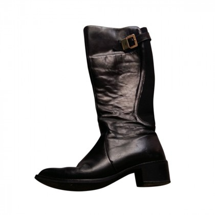 Black leather boots size IT39