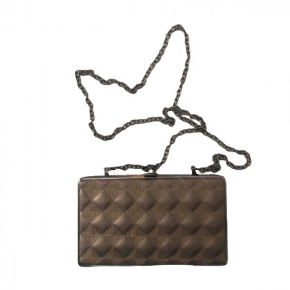 Clutch/bag with removable chain strap