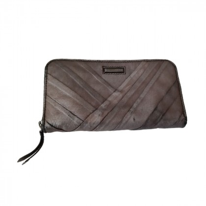 Burberry bronze leather wallet