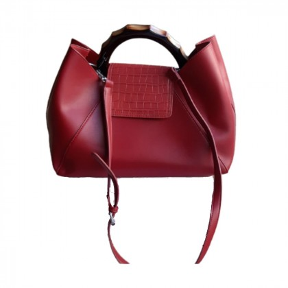 Burgundy leather bag with wooden handle