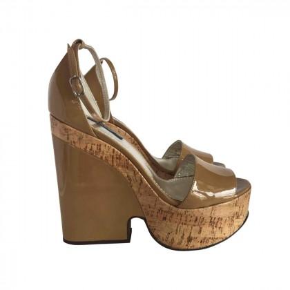 DOLCE & GABBANA Beige Patent Leather  Cork Platform Wedge BRAND NEW size IT37.5
