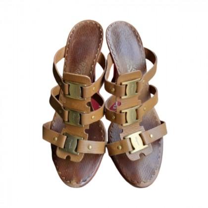 Ferragamo camel leather sandals size IT 39