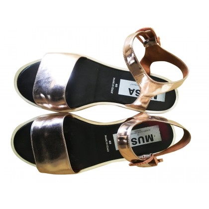 GOLDEN GOOSE DELUXE BRAND GOLD LEATHER SANDALS