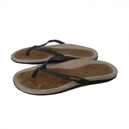 DKNY Anatomic Sandals Patent Leather khaki size 37