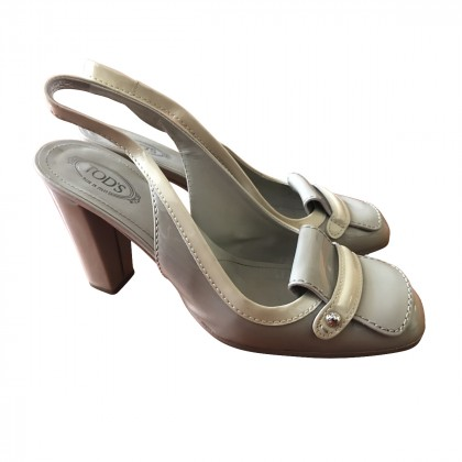 TOD'S PATENT LEATHER GREY BEIGE SLINGBACKS