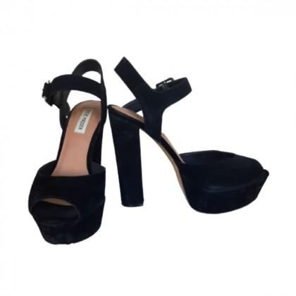 Steve Madden black suede heeled sandals size IT38.5-brand new