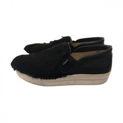 No21 black leather slip ons size IT39