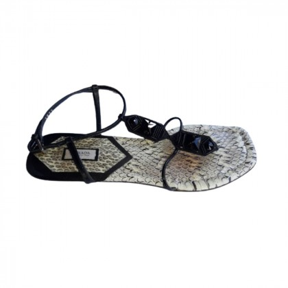 Prada black leather sandals size IT 39