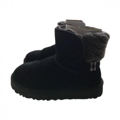 UGG sheepskin black boots size IT 36