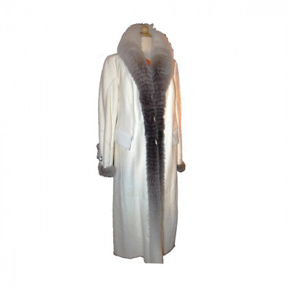 White leather Coat with fox fur lining size L