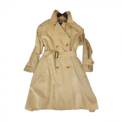 Classic_trench_coat